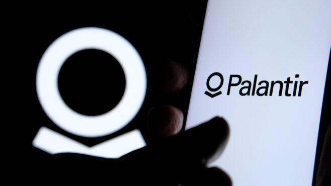 Palantir:Q1财报符合预期,大跌意味机会?